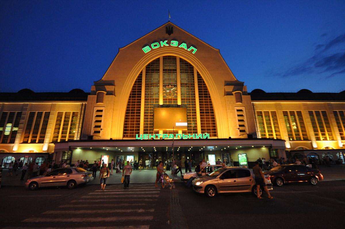 Центральный железнодорожный вокзал г. Киев Антиобледенение кровли