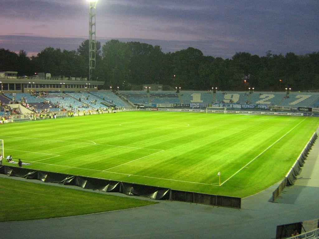 Стадион «Динамо» им. В. В. Лобановского. Подогрев грунта футбольного поля